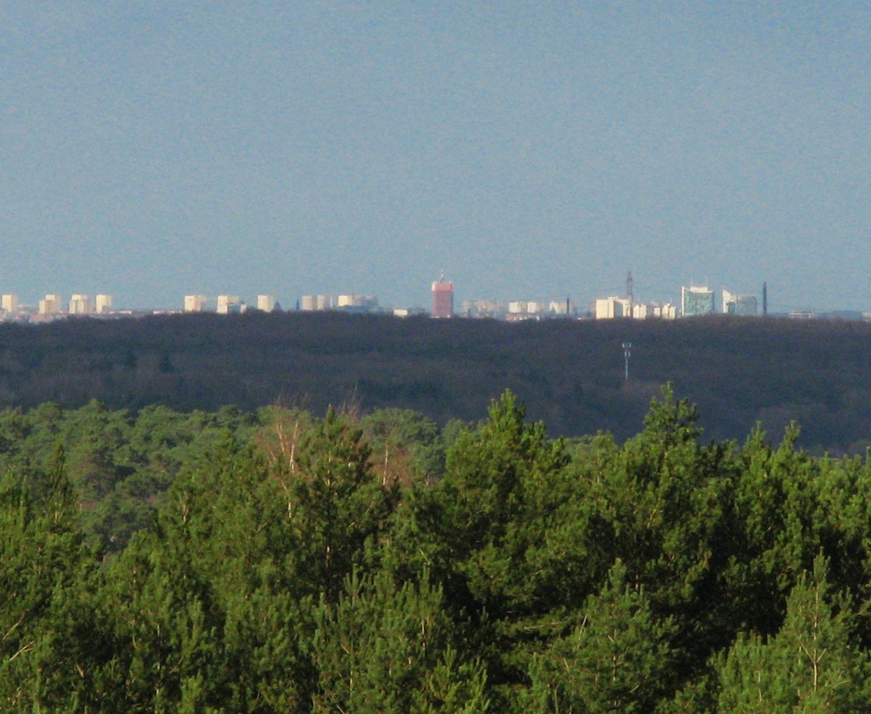 Widok z wieży w Mosinie na centrum Poznania